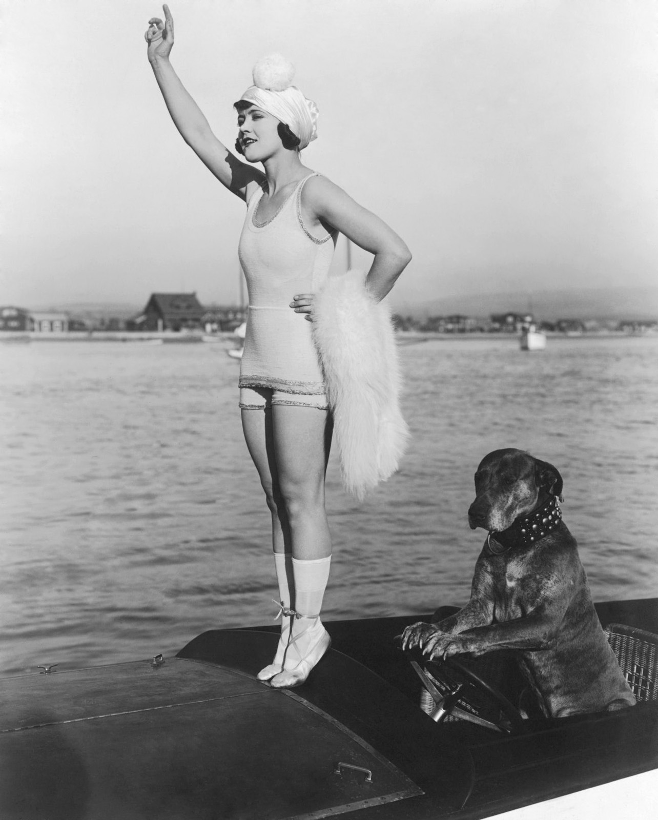 Gloria_Swanson_&amp;_Teddy